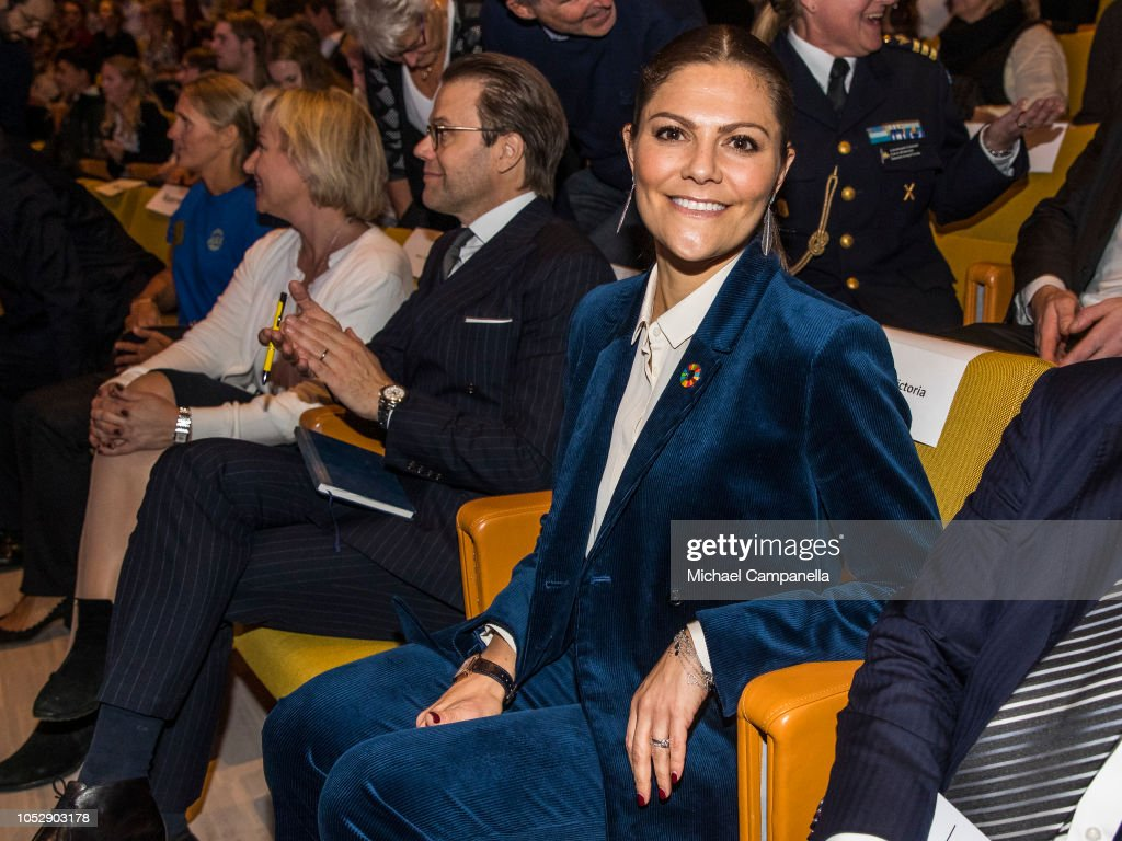 CASA REAL DE SUECIA - Página 62 Princess-victoria-and-prince-daniel-of-sweden-arrives-at-the-pep-pep-picture-id1052903178