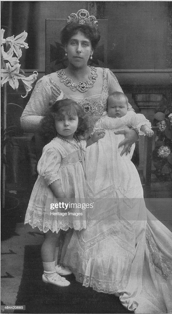 Princess Victoria Melita of Saxe-Coburg and Gotha with her daughters Maria and Kira. Artist: Anonymous : News Photo