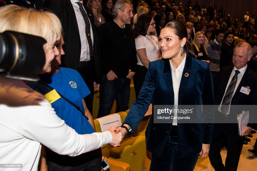 CASA REAL DE SUECIA - Página 62 Princess-victoria-of-sweden-arrives-at-the-generation-pep-pep-forum-picture-id1052903160