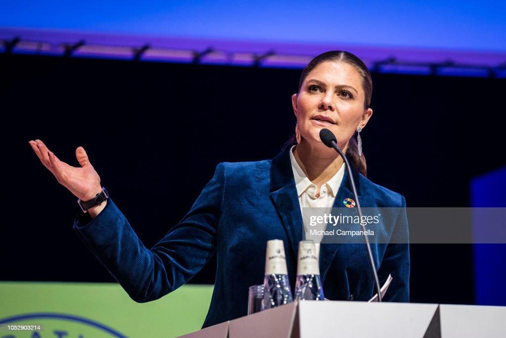 CASA REAL DE SUECIA - Página 63 Princess-victoria-of-sweden-gives-a-speech-at-the-generation-pep-pep-picture-id1052903214