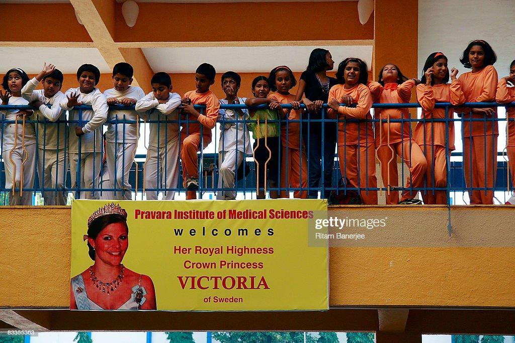 Crown Princess Victoria Of Sweden Visits Pune : ニュース写真