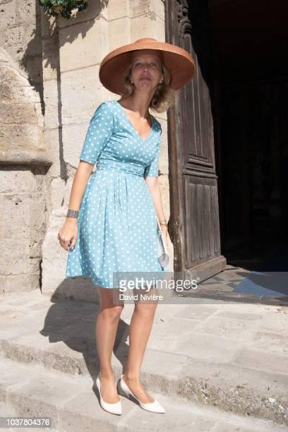 Princesse Amelie Bourbon of Parme arrives at the wedding of Princess Helene of Yugoslavia and Stanislas Fougeron at the Saint Etienne de Janville...