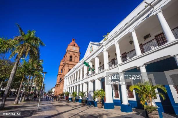 principal plaza in santa cruz, bolivia - santa cruz de la sierra bolivia fotografías e imágenes de stock