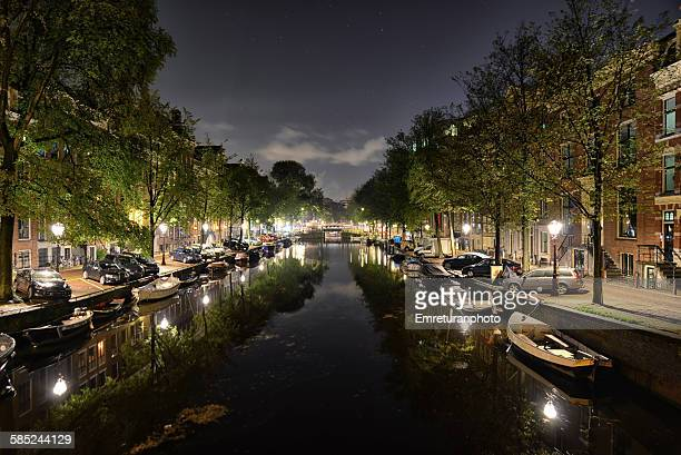 prinsengracht canal at night - emreturanphoto fotografías e imágenes de stock