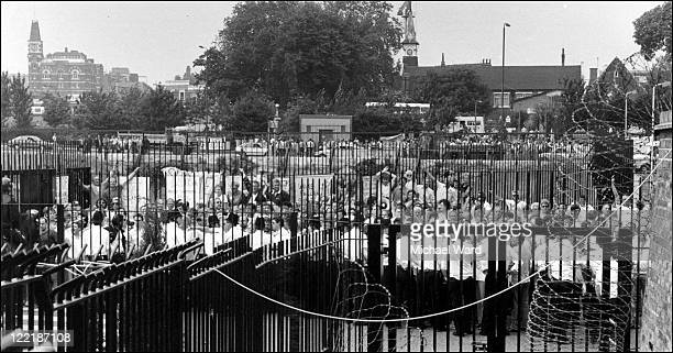 Print unions picketing the News International print plant at Wapping after Rupert Murdoch had set up a non unionized plant 1986