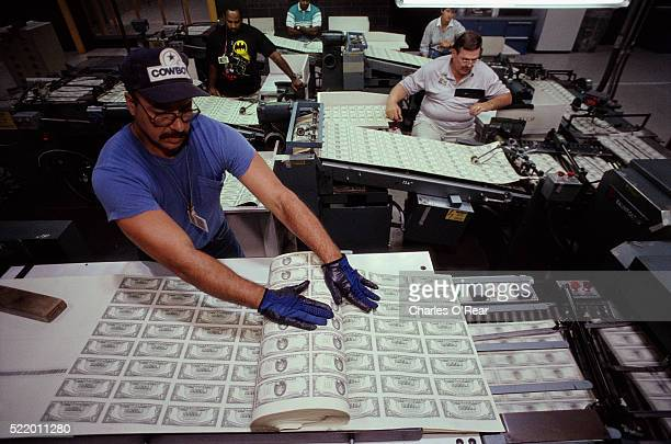 printing u.s. dollars - money printer stock pictures, royalty-free photos & images