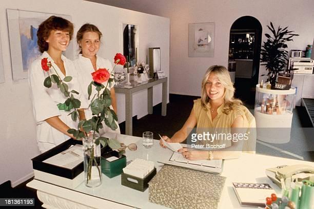 Prinzessin Angela von Hohenzollern Angestellte München Bayern Deutschland Bräunungscenter Büro Adel