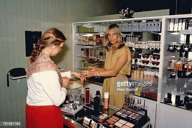 Prinzessin Angela von Hohenzollern Kundin München Bayern Deutschland Bräunungscenter Makeup Schminke schminken Adel