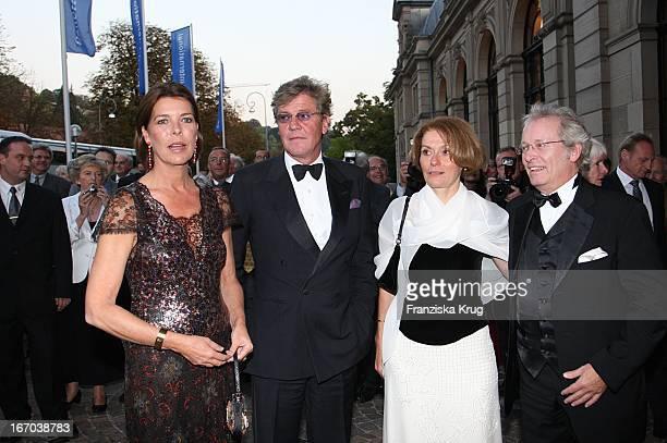 Prinzessin Caroline Von Monaco Ehemann Ernst August Von Hannover Und Intendant Andreas Mölich Zebhauser Und Ehefrau Lioba Bei Der Verleihung Des...