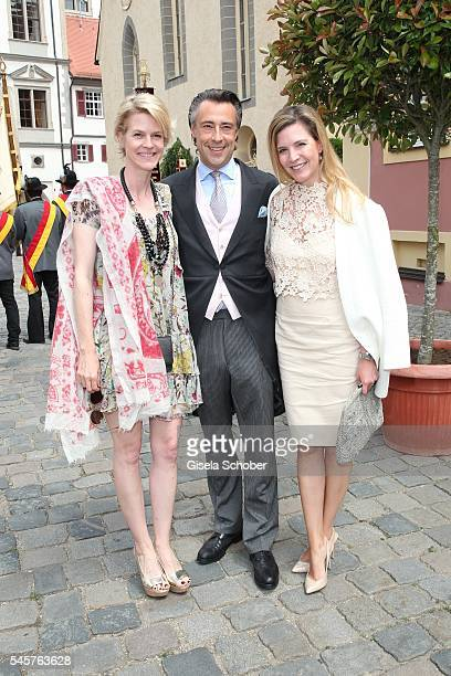 Prinzessin IsabelleMinzi zu HohenloheJagstberg Alexander Bagusat and his wife Viola Weiss during the wedding of hereditary Prince FranzAlbrecht zu...