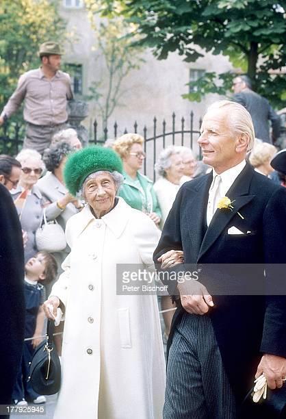 Prinzessin Victoria Luise von Preußen Begleiter Schaulustige Hochzeit von D o n a t a G r ä f i n z u C a s t e l lR ü d e n h a u s e n Lo u i s F e...