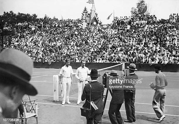 Prior To Play Their Game Bunny Austin Henri Cochet For Photographers During The Final Of The Davis Cup Roland Garros In July 1931