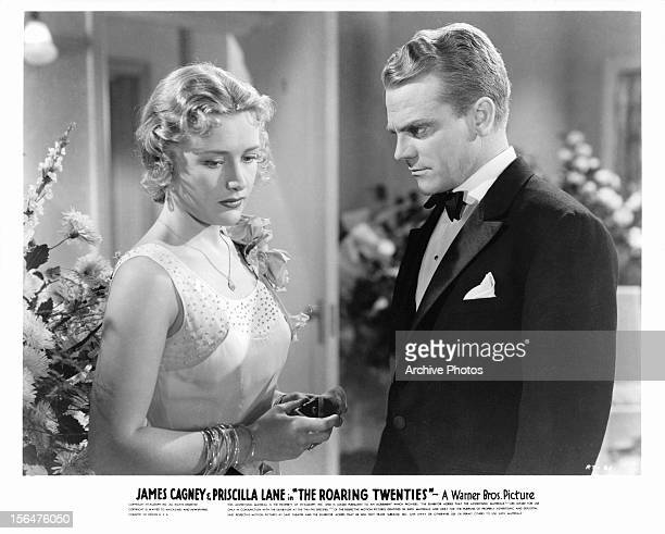 Priscilla Lane and James Cagney in a scene from the film 'The Roaring Twenties' 1939
