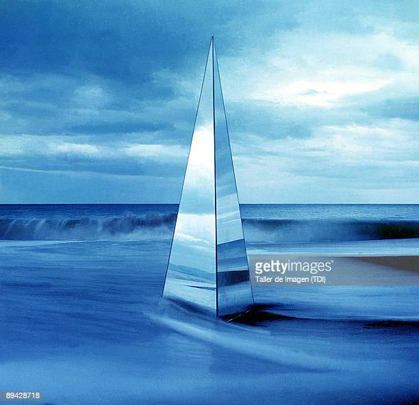 Prism with waves Photo by Taller de Imagen /Cover/Getty Images