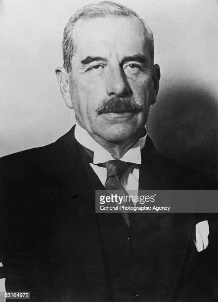 Prison governor Metropolitan Police Deputy Commissioner and head of the Special Branch from 1918 Sir Basil Thomson circa 1925 Thomson is suspected of...
