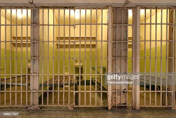 prison - gevangeniscel stockfoto's en -beelden