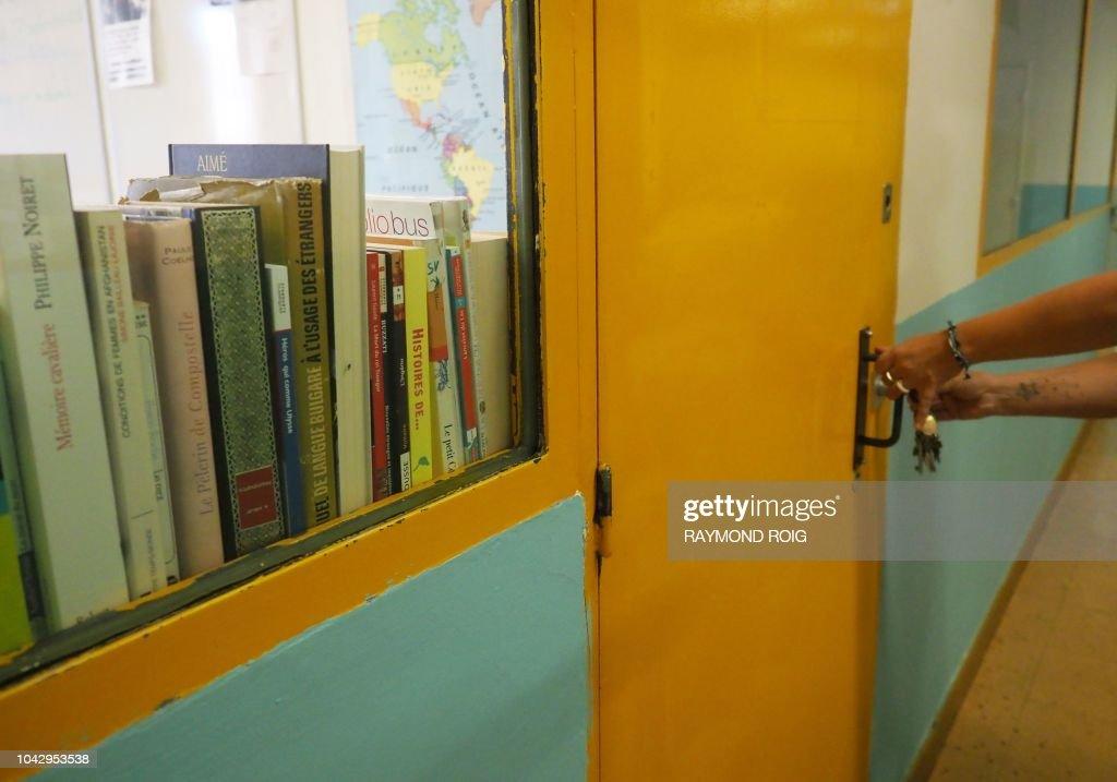 FRANCE-EDUCATION-SOCIAL-PRISON-LEARNING : News Photo