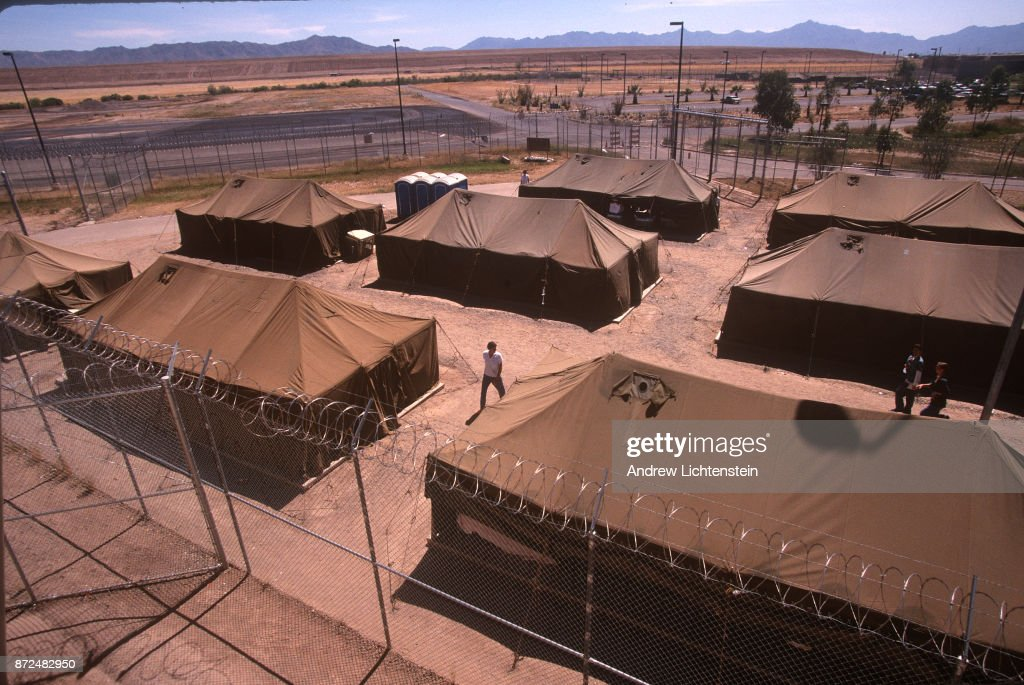 Prisoners sit in the heat of the Arizona desert in army tents in Maricopa County Sheriff & Maricopa County Tent City Jail Stock Photos and Pictures | Getty ...
