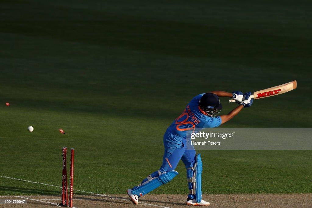 New Zealand v India - ODI: Game 2 : News Photo
