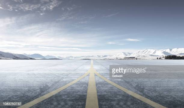 private aircraft parking on the tarmac - airport runway stock pictures, royalty-free photos & images