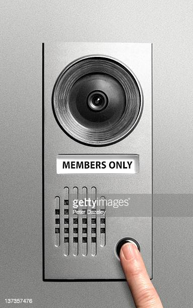 private club member's video entry-system - ringing doorbell stock pictures, royalty-free photos & images