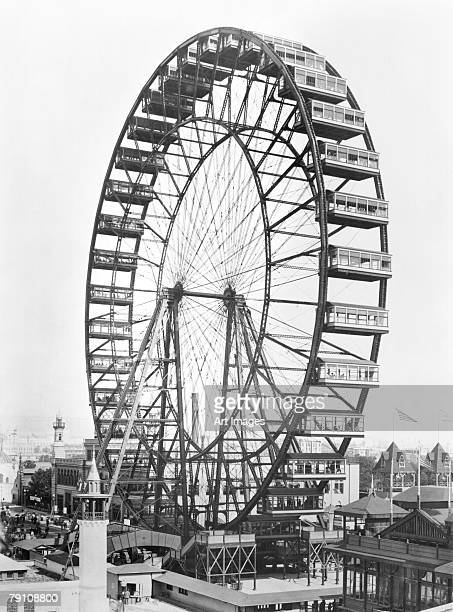 The ferris wheel at the World's Columbian Exposition of 1893 in Chicago (b/w photo)