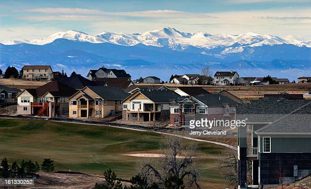 AURORA COLO DECEMBER 14 2004 Private homes line the course at Heritage Eagle Bend Golf Country Club <cq> Tuesday 12/14/04 Heritage Eagle Bend <cq>...