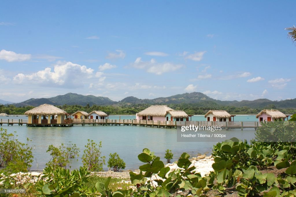Private Huts Stock Photo - Getty Images