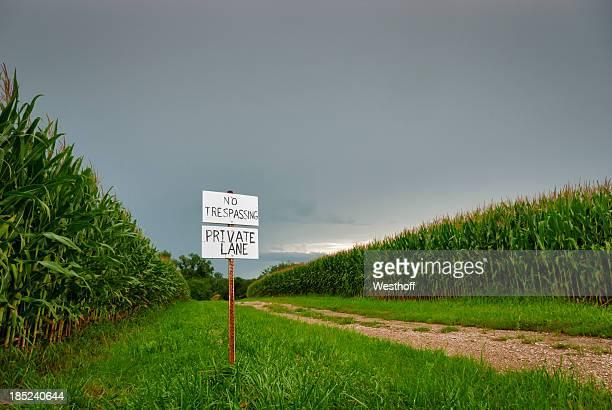 Private Lane No Tresspassing