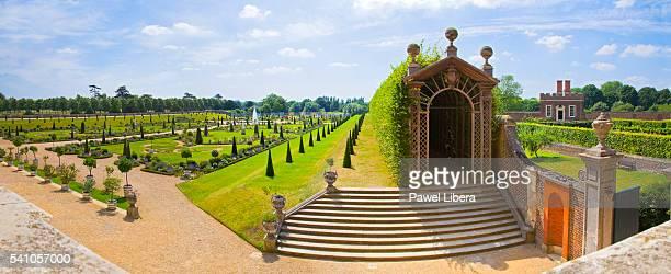 privy garden at hampton court palace - hampton court stock pictures, royalty-free photos & images