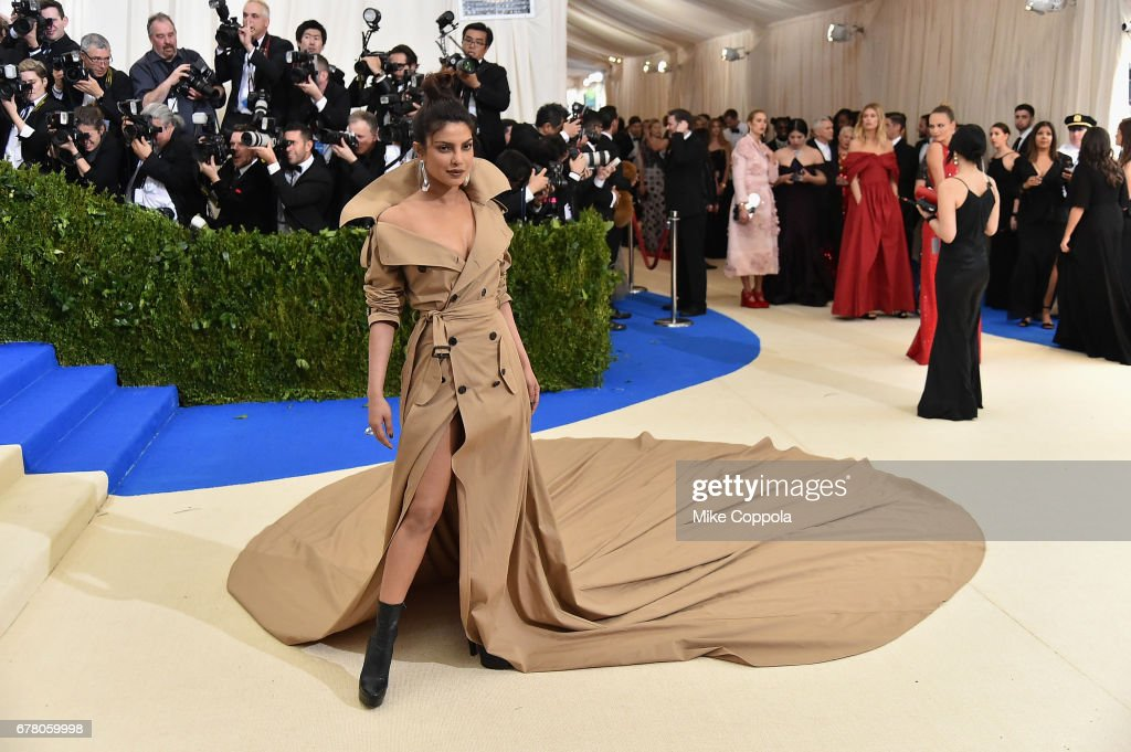 """""""Rei Kawakubo/Comme des Garcons: Art Of The In-Between"""" Costume Institute Gala : News Photo"""