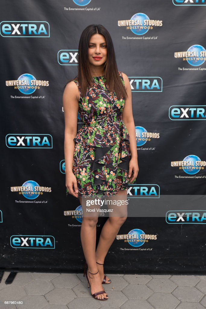 "Priyanka Chopra, Bethenny Frankel, Chris Blue And Mark Consuelos Visit ""Extra"""