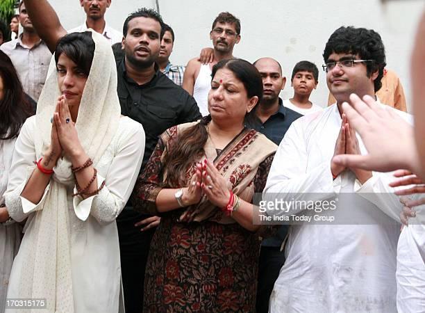 Priyanka Chopra with her mother and brother at the cremation of her father Ashok Chopra at Oshiwara crematorium