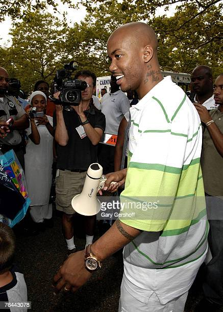 Pro Basketball Player Stephon Marbury addressing the crowd at The New York Call and Youth Xplosion Starbury Giveback Day on August 31 2007 in...