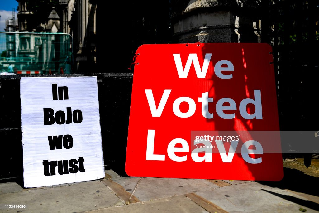 Pro Brexit Demonstrators In Westminster : News Photo
