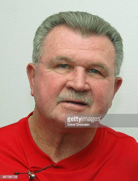 Pro Football Hall of Fame member Mike Ditka poses backstage at Route 66 Casino following a private function on September 21, 2005 in Albuquerque, New...