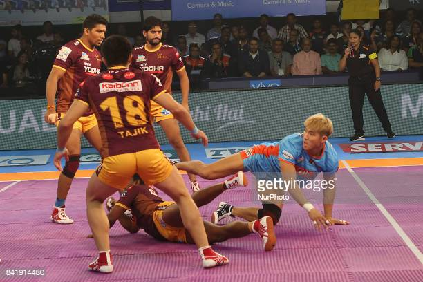 Pro Kabaddi Lucknow v Kolkata at Netaji Indoor Stadium on September 022017 in Kolkata India