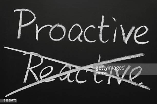 Proactif et réactif