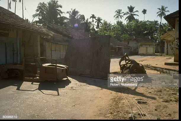 Prob. Rebel-placed barricades in example of Sinhalese & Tamil militant movements' attempts to sabotage pres. Election voting in S. & N. Areas .