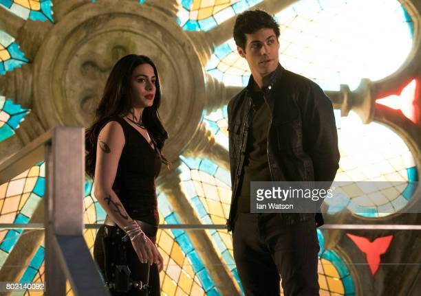 SHADOWHUNTERS 'A Problem of Memory' Simon goes down a dark path while Alec and team prepares to transport Valentine in A Problem of Memory an allnew...