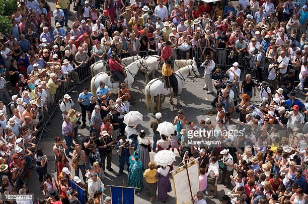 procession during gipsy pilgrimage - サントマリードラメール ストックフォトと画像