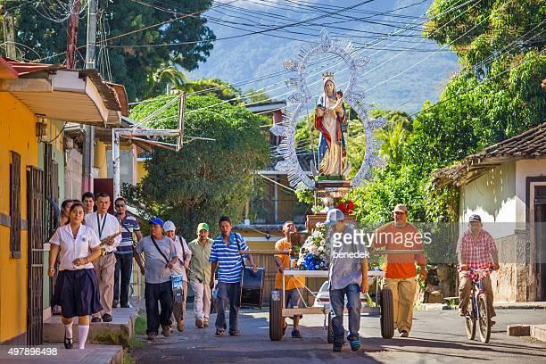 procession of the virgin granada nicaragua - nicaragua stockfoto's en -beelden