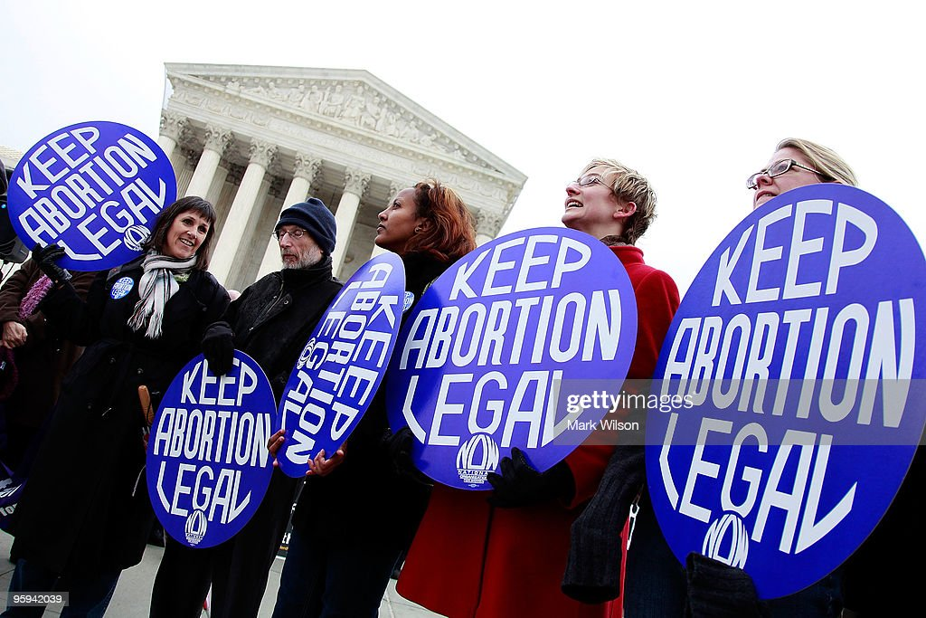 Supporters And Opponents Commemorate 37th Anniversary Of Roe v. Wade : News Photo