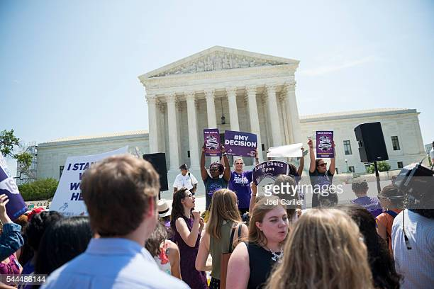 Pro-choice-Fans jubeln mit USA. Oberster Gerichtshof