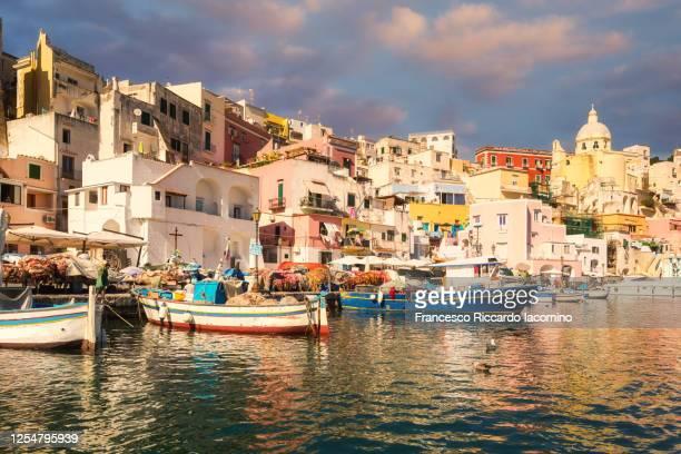 procida, naples, italy. colorful island in the mediterranean sea - sud foto e immagini stock