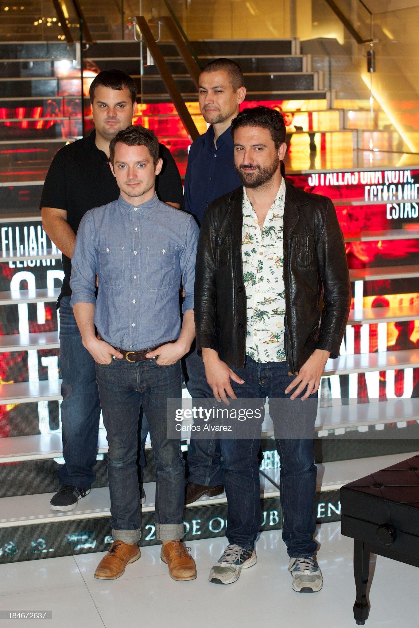 ¿Cuánto mide Eugenio Mira? - Altura Producer-adrian-guerra-actor-elijah-wood-producer-rodrigo-cortes-and-picture-id184672637?s=2048x2048