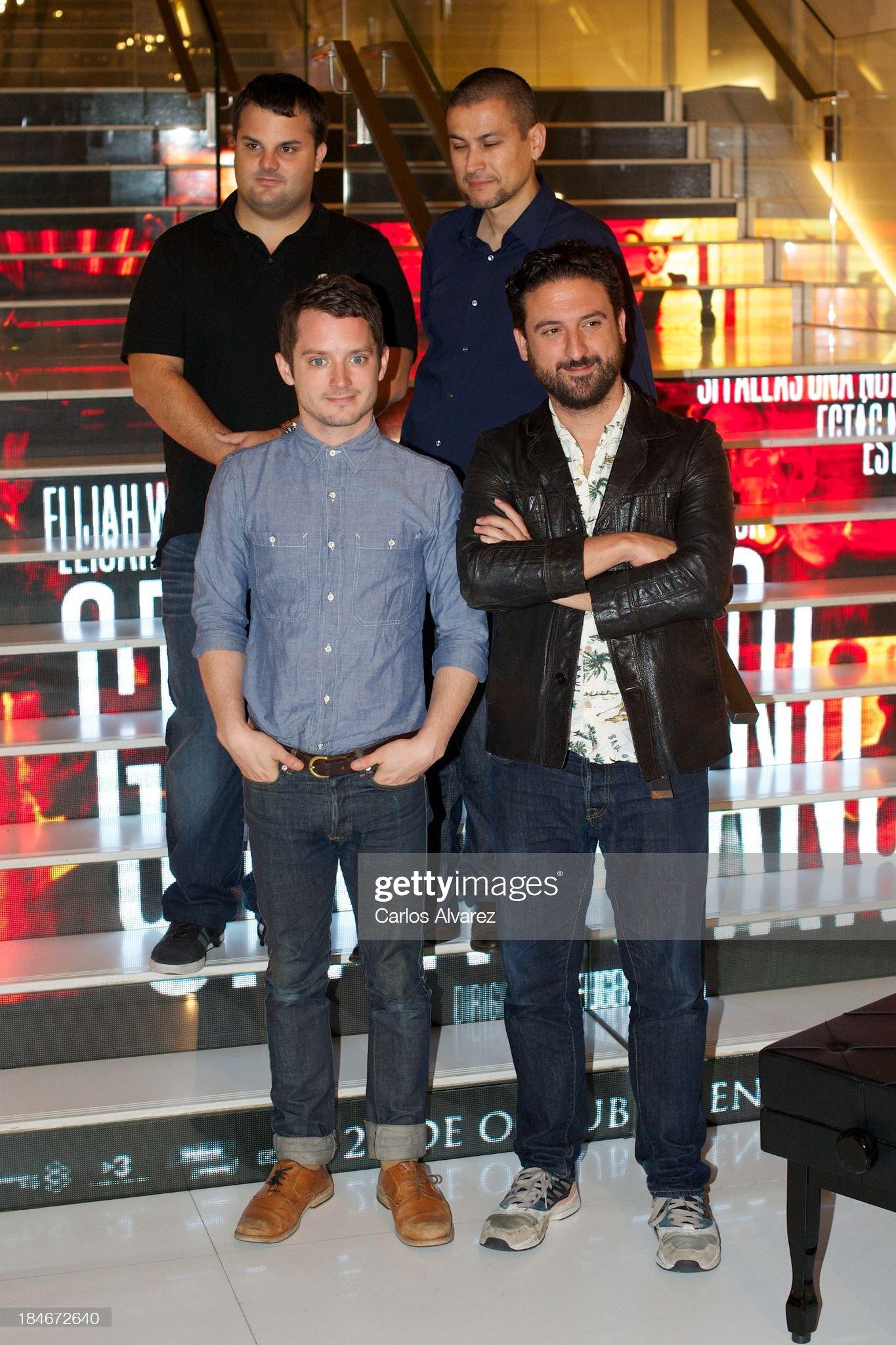¿Cuánto mide Eugenio Mira? - Altura Producer-adrian-guerra-actor-elijah-wood-producer-rodrigo-cortes-and-picture-id184672640?s=2048x2048