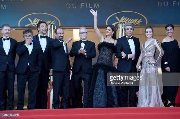 Producer Alexandre MalletGuy actors Eduard Fernandez Javier Bardem director Asghar Farhadi Cannes Film Festival Director Thierry Fremaux actress...