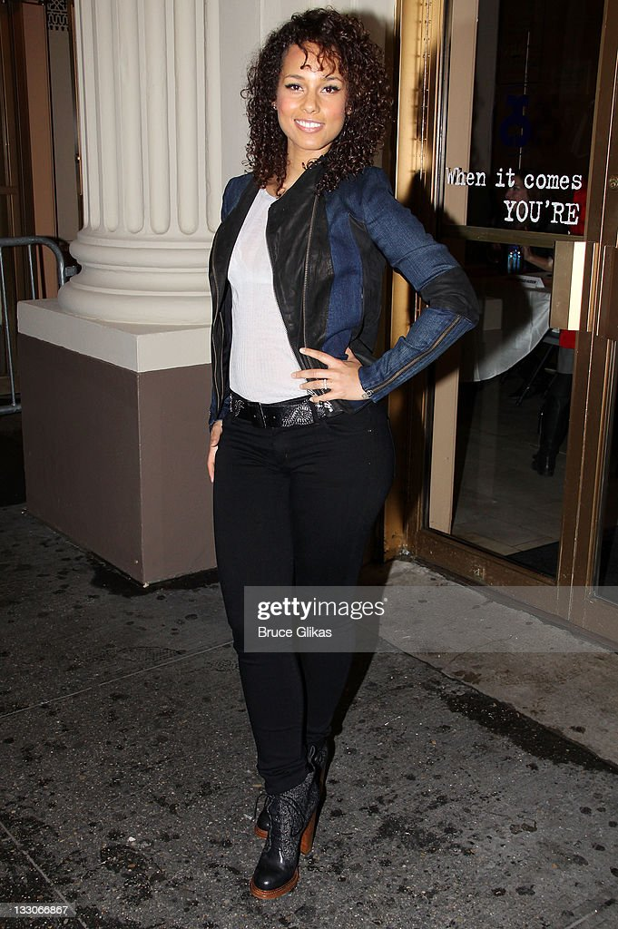 Stick fly meet and greet at cort theatre on producer alicia keys attends the stick fly meet and greet at cort theatre on m4hsunfo