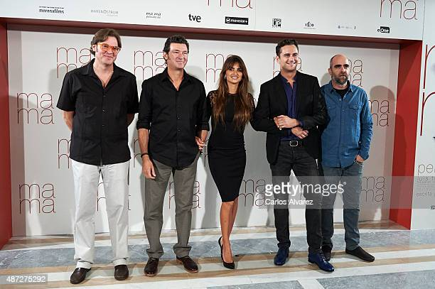 "Producer Alvaro Longoria, director Julio Medem, Penelope Cruz, Asier Etxeandia and Luis Tosar attend ""Ma ma"" photocall at the Villamagna Hotel on..."